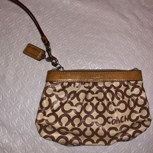 Y2k/vintage Leather Coach Wristlet